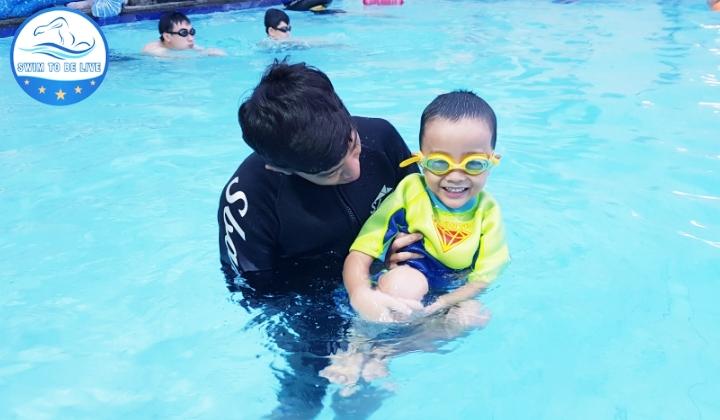 Dạy bơi cho trẻ em ở Gò Vấp