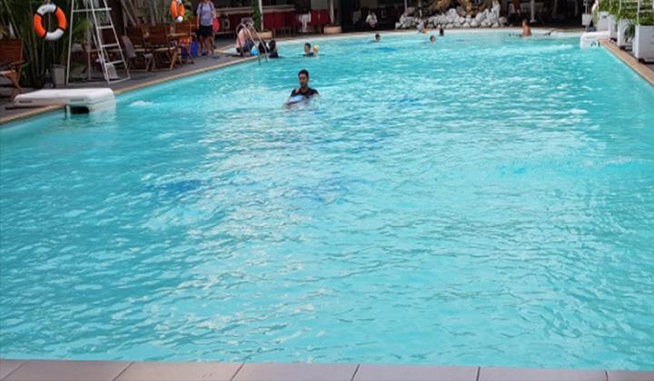 Hồ bơi khách sạn đệ nhất Tân Bình
