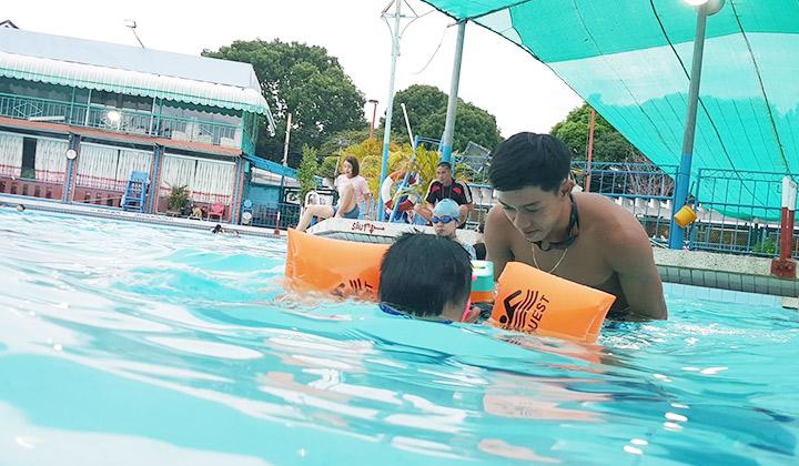 huấn luyện viên dạy bơi kèm riêng