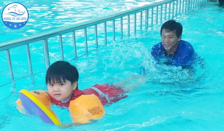 trung tâm dạy bơi quận 9