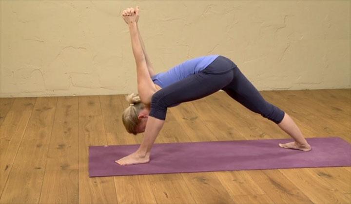 tu-the-yoga-trong-boi-loi