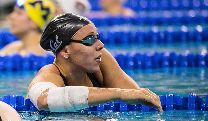 Abbey Weitzeil giành giải thưởng Honda Sport cho môn bơi lội