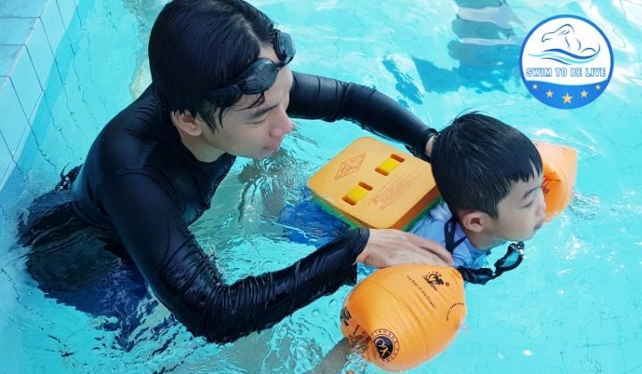trung tâm dạy bơi ở Hà Nội